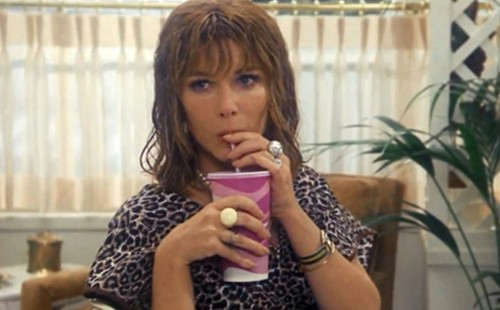 Lee Grant in <br>SHAMPOO